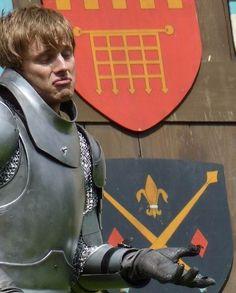 Bradley James as Arthur #Merlin #funny