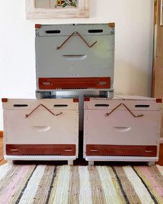 #homeinahome #home #handcraft #handmade #etsy #etsyshop #beehive #wood #woodenbox #honey #storage #storagebox #tray #toy #toybox #stool #bedside #bedsidetable #decoration #homedecor #decorating #beeshome #allinone #furniture #interiordesign #interiordecor #musthave #shoponline #minimal #decor