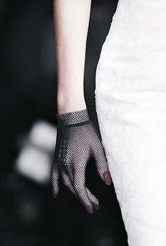 Sensuality / fishnet glove (via Pin by Faire Frou Frou // Alison Rubke on Fashion Nu Project, Yennefer Of Vengerberg, Moda Outfits, Mrs Hudson, Mode Top, Dolce E Gabbana, Frou Frou, Luxury Lingerie, Cheap Lingerie