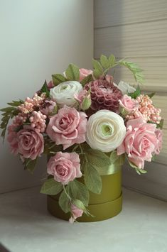 Paper Bouquet, Diy Bouquet, Paper Flowers Wedding, Crepe Paper Flowers, Paper Backdrop, Branch Decor, Unusual Flowers, Flower Boxes, Flower Making
