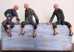 Nacho Fal en el #PoloShopping Santa María Polo Club Sotogrande: escultor sevillano que acude con una selección de sus obras en bronce cemento y madera. Obras que representan actitudes humanas de aire cotidiano y que  esconden un delicado sentido del humor.