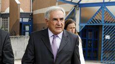 Carlton : un procès à hauts risques pour DSK. Renvoyé devant le tribunal correctionnel de Lille, avec treize autres prévenus, pour « proxénétisme aggravé », l'ex-directeur général du FMI encourt jusqu'à 10 ans de prison et 1,5 million d'euros d'amende.