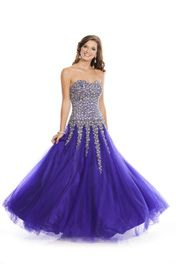 #WowProm 4050 Strapless Sweetheart ballgown prom dress #prom #promdress #FormalApproach #promideas