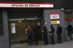 It's A Long Way To Recovery: Spain's Unemployment Rate Remains At 26%, Despite GDP Growth Predictions ByPatricia Rey Mallén@PReyMallen on 5.1.14