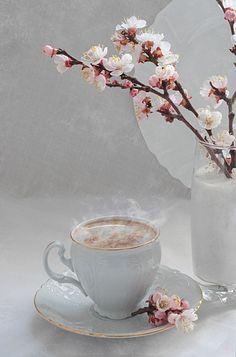 I Love Coffee, Coffee Art, Coffee Break, Coffee Flower, Spring Desserts, Breakfast Tea, Flower Wallpaper, Book Photography, Hot Chocolate