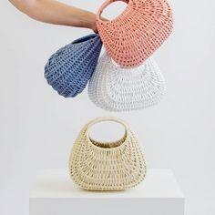 Se gostam de cestas, estas são as mais bonitas, da @lapetitesardine.pt 🌷 . If you love baskets these are the most beautiful ones 🌺 . 📷 @lapetitesardine.pt Round Basket, Maria Black, Basket Bag, Beautiful One, Harpers Bazaar, Slow Fashion, Wicker Baskets, Straw Bag