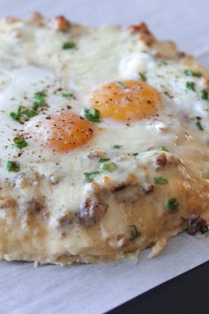 Sausage and Gravy Breakfast Pizza - Picky Palate
