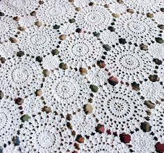Vintage Home - White Cotton Pinwheel Crochet Bedspread.