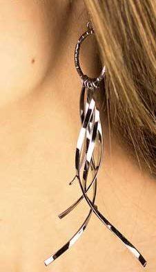 Paparazzi Earrings Only $5 www.facebook.com/critiquez22758