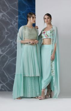 Inspiring the upbeat season of spring Limerick By Abirr N' Nanki collection boasts uber-stylish elements to spruce the fusion style silhouettes. Whatsapp us now for personal shopping experience! Designer Party Wear Dresses, Kurti Designs Party Wear, Indian Designer Outfits, Pool Party Dresses, Pool Party Outfits, Indian Wedding Outfits, Indian Outfits, Lehnga Dress, Indian Gowns