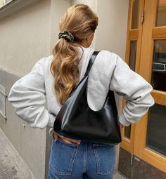 What Should I Wear Today, Scandinavian Fashion, Everyday Outfits, Boss Lady, Playing Dress Up, Leather Backpack, Autumn Winter Fashion, Lounge Wear, Korean Fashion