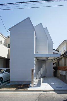 木下昌大 (Masahiro Kinoshita / KINO architects) による東京都練馬区の住宅「ダンダンイエ」japan-architects.com