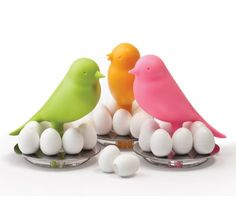 Adorable nest and egg magnets.