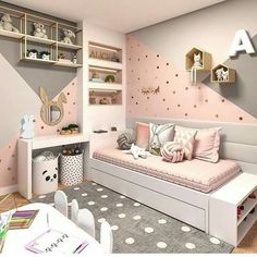 Want to Present the Greatest Girl& Bedroom for Your Daughter? The girls bedroom is her castle. Now getting time to talk a strategy to come up with the wonderful room theme. Here are the girl's bedroom ideas for you. Dream Rooms, Dream Bedroom, Master Bedroom, Bedroom Wardrobe, Bedroom Small, Bedroom Wall Colors, Bedroom Themes, Girls Bedroom Colors, Bedroom Styles