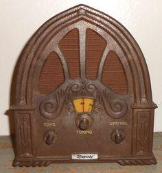 Vintage Radio, Rhapsody, AM Radio, Battery Operated, Cathedral Radio, Small, Plastic