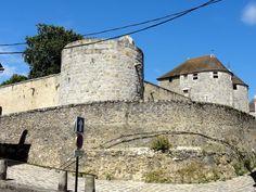 Château-fort de Dourdan (Ile de France) - détail Château-fort de Dourdan (Ile de France) - Tour d'angle