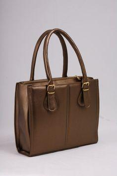39,00€ Τσάντα χειρός Μπρονζέ.  Εντυπωσιακή εμφάνιση με 3 ξεχωριστούς χώρους. Bags, Fashion, Handbags, Moda, Fashion Styles, Fashion Illustrations, Bag, Totes, Hand Bags