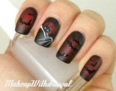 Omg Batman: the animated series art on nails! Not into nail art but this one is pretty awesome. Nail Art Halloween, Holiday Nail Art, Halloween Nail Designs, Scary Halloween, Happy Halloween, Knight Halloween, Halloween Images, Batman Nail Art, Do It Yourself Nails