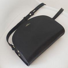 tifmys - A.P.C. Half-moon bag.