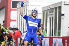 Elia Viviani s'adjuge facilement la deuxième étape du Tour d'Abu Dhabi  https://todaycycling.com/elia-viviani-adjuge-facilement-deuxieme-etape-tour-abu-dhabi/