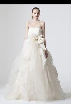 Brides: Vera Wang - Spring 2010. Featured In: Vera Wang - Spring 2010