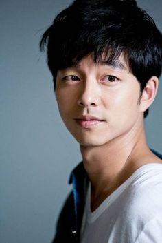 Las etiquetas más populares para esta imagen incluyen: gong yoo, korean, actor y kdrama