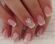 Opting for bright colours or intricate nail art isn't a must anymore. This year, nude nail designs are becoming a trend. Here are some nude nail designs. Swarovski Nails, Crystal Nails, Bride Nails, Wedding Nails, Manicure E Pedicure, French Tip Nails, Types Of Nails, Beautiful Nail Art, Nails Inspiration