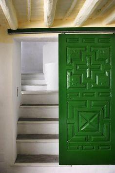 Schiebetür in Pantone-Grün