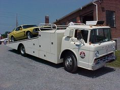 View topic - what size style Ford truck would I need to build a. Cool Trucks, Big Trucks, Cool Cars, Bluebird Buses, Old Dodge Trucks, Train Truck, Shop Truck, Car Carrier, Engin