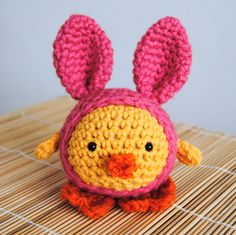 Crocheted chickie. OMG. SO CUTE. - this pattern is sold on etsy now, but the site links to 5 other cute & quick Easter crochet patterns