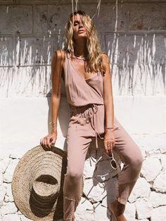 Photo - http://fashiongq.com/fashion/photo-4383/