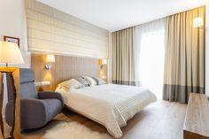 Gyvenamasis namas Didžiasalyje - Tendencijos 2019 Roman Curtains, Color Pallets, Bed, Interior, House, Furniture, Home Decor, Roman Blinds, Color Palettes
