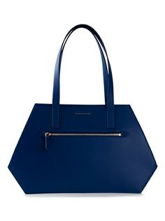 Shop designer tote bags for women at Farfetch for of designs from your favourite designer brands. Kate Spade, Tote Bag, Bags, Handbags, Carry Bag, Taschen, Tote Bags, Purse, Purses