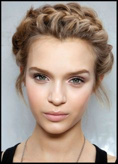 Natural Look: Top 10 Makeup Ideas. Step by step tutorial for an everyday stunning look. Beauty Guide and Tips. | Makeup Tutorials http://www.topinspired.com/top-10-natural-makeup-look-ideas/