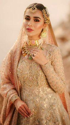 Pakistani Dresses Party, Beautiful Pakistani Dresses, Desi Wedding Dresses, Shadi Dresses, Pakistani Wedding Outfits, Pakistani Dress Design, Bridal Outfits, Pakistani Wedding Photography, Indian Bridal Photos