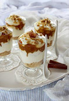 Desserts In A Glass, Mini Desserts, Best Dessert Recipes, Sweet Recipes, Traditional Tiramisu Recipe, Best Tiramisu Recipe, Hungarian Desserts, Cake In A Jar, Christmas Snacks