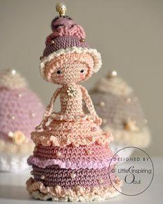 Cupcake doll crochet amigurumi PDF PATTERN by lescreasdeclo
