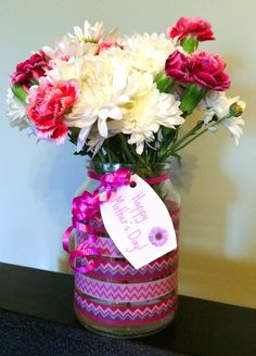 Easy Mother's Day Vase using an old jar and some washi tape! Homemade Gift Ideas / Easy Homemade Gifts thelinkssite.com
