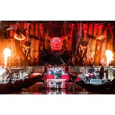 SLIPKNOT destroy Download Festival last night in the pouring rain! #metalhammer #slipknot #dl2015 photo: @ohalfin