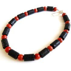 Lava-Zylinder Kette mit Schaumkorallen-Perlen  Schaumkorallen-Perlen ca. 13,5 mm  Lava-Zylinder ca. 21 x 14 (LxD) mm  Länge ca. 53 cm  ca. 131 Gramm  Versilberter Federringverschluss #JOY #Einzelstücke #Lava #Schaumkoralle #Korallen #Halskette #Kette #coral #Necklace #Einzelstück #onlyone #jewelry #Geschenk #Geschenkidee #gift #Valentinstag #Muttertag #Geburtstag #Hochzeit #Hochzeitstag #Weihnachten #außergewöhnlich #sehenswert #rot #red #schwarz #black #Schmuckliebe #Lifestyle #onlineshop Joy Shop, Lava, Kugel, Beaded Bracelets, Necklaces, Pendants, Pendant Necklace, Gifts, Gift Ideas