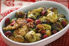 Calendario de Adviento. Día 12: Coles de bruselas especiadas asadas con frutos secos