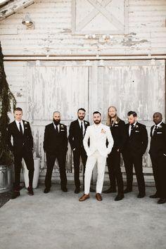 Was tun, wenn Sie verlobt sind? - Pacific Engagements Wedding Planning Tips - Retro Wedding Hair, Wedding Men, Wedding Groom, Wedding Suits, Wedding Attire, Dream Wedding, Gothic Wedding, Bride Groom, Wedding Reception