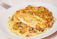 Κοτόπουλο. Ένα αγαπημένο φαγητόμικρών και μεγάλων. Ένα πουλερικό που μαγειρεύεται με δεκάδες παραλλαγές. Εδώ σας δίνουμε μια εύκολη συνταγή (από εδώ) για