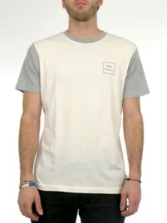 The RVCA VA Box is a slim fit tee with vintage wash and contrast sleeves and neck rib. The shirt has a front screen print with screened inside neck. 100% cotton