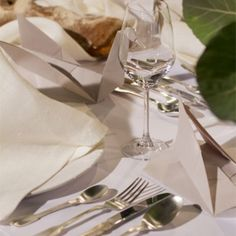 Tafel Toe - Episode 5 Episode 5, Table Settings, Toe, Tableware, Dinnerware, Tablewares, Place Settings, Dishes, Tablescapes