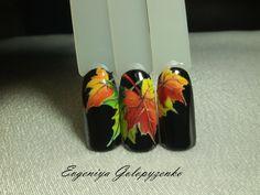 Discover the 10 most popular nail polish colors of all time! Christmas Nail Art, Holiday Nails, Toe Nail Art, Toe Nails, Essie Nail Polish Colors, Nagel Bling, Seasonal Nails, Fall Nail Art Designs, Autumn Nails