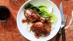 Vinegar and Garlic Braised chicken Turkey Recipes, Chicken Recipes, Dinner Recipes, Entree Recipes, One Pot Dinners, Sunday Dinners, Martha Stewart Recipes, Dutch Oven Cooking, Braised Chicken