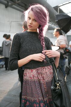 soft grunge: Haters are gonna hate this, mainly because is food for blogs these days, I like the pastel colors hairs anyway . Infatuation <3<3