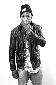 Amaru Schenkel aka MR. RAW (Sprinter Pro) Copyright: www.roccavision.com Rv, Hipster, Celebrities, Style, Fashion, Thighs, Swag, Moda, Motorhome