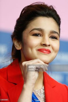 Actress Alia Bhatt attends the 'Highway' press conference during Berlinale International Film Festival at Grand Hyatt Hotel on February 2014 in Berlin, Germany. Bollywood Actress Hot Photos, Bollywood Girls, Beautiful Bollywood Actress, Most Beautiful Indian Actress, Bollywood Celebrities, Actress Pics, Beauty Full Girl, Cute Beauty, Alia Bhatt Photoshoot